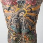Tatuagem religiosa nas costas (Foto:Divulgação)
