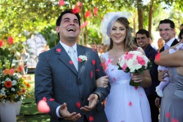 Decoração de casamento ao ar livre.