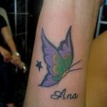 Tatuagem de borboleta com o nome (Foto:Divulgação)
