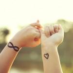Tatuagem com o símbolo do infinito (Foto:Divulgação)