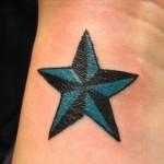 Tatuagem de estrela preenchida (Foto:Divulgação)
