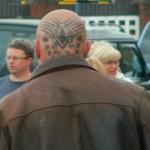 Tatuagem com símbolo na Cabeça (Foto:Divulgação)
