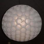 Luminária de copos. (Foto: Divulgação)