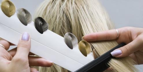 Dicas para não errar na hora de tingir o cabelo