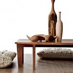 A estética rústica é reforçada com a presença das almofadas.