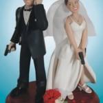 Bolo de Casamento com o casal armado (Foto: Divulgação)