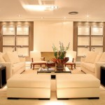Sala branca com iluminação forte (Foto: Divulgação)