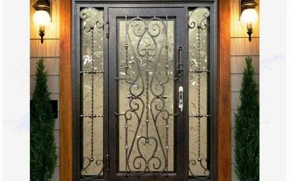 porta de aço preta