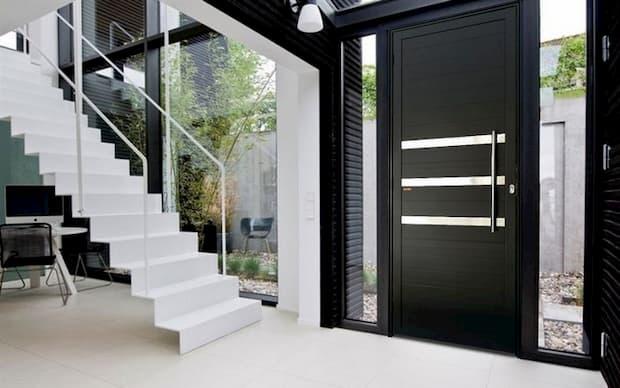 porta de alumínio preta