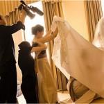 Filmando embaixo do vestido da noiva (Foto: Divulgação)