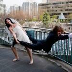 Noiva puxando o noivo (Foto: Divulgação)