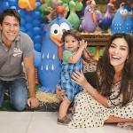 Juliana Paes também fez festa da Galinha Pintadinha para seu filho, um dos temas em alta para festa infantis.