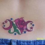 Tatuagem no cóccix - Lua e Estrelas