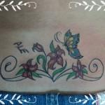 Tatuagem no Cóccix - Flores, Ramos e Borboleta
