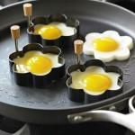 Forma para fritar ovos em formato de coração