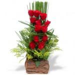 Arranjo com rosas vermelhas