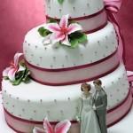 Bolo de Noiva com Fita Rosa