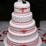 Bolo de Casamento Vermelho e Branco