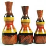 Trio de vasos com tamanhos diferentes.