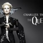 Charlize Theron é a Madrasta Ravenna.