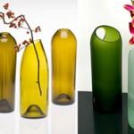 A dica é reciclar, então, mãos a obra,  use a sua criatividade decorando as mesas com garrafas de vidro cortadas, com flores.