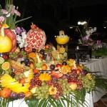 Para deixar a mesa de frutas bonita basta usar a criatividade.