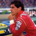 A morte de Ayrton Senna, aos 34 anos, devido a um acidente durante o GP de San Marino, em 1994, comoveu todo o Brasil