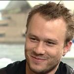 """Heath Ledger faleceu aos 28 anos, antes de ver a estreia de """"Batmam - O Cavaleiro das Trevas"""", no qual interpretava o vilão Coringa"""