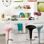 Os móveis de cozinhas planejadas podem aproveitar todos os espaços de uma cozinha pequena.
