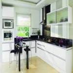 Pequenos detalhes em cores claras deixam o ambiente mais sofisticado, mesmo que pequeno.