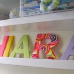 Letras decorativas no quarto da criança