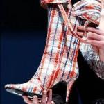 O mundo fashionista de fato é a praia das pessoas que gostam usar sapatos diferentes. (Foto: divulgação)