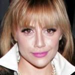 """Brittany atriz e cantora americana famosa por fazer filmes como"""" As Patricinhas De Beverly Hills"""", """"Recém Casados"""" entre outros. Morreu aos 32 anos por várias complicações de saúde. (Foto: divulgação)"""