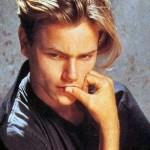 River Phoenix, um ícone para os adolescentes americanos morreu aos 23 anos.(Foto: divulgação)