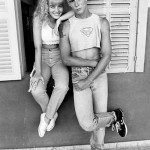 """Angélica posa ao lado de Supla, também parte do elenco de """"Uma Escola Atrapalhada"""" (1990). (Foto: divulgação)"""