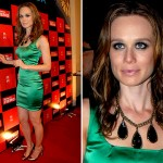 De cabelos escuros e longos, Mariana posa para foto usando vestido de festa e colar. (Foto: divulgação)