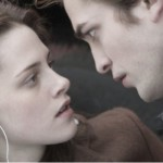 Crepúsculo - Edward (Robert Pattinson) e Bella (Kristen Stewart).