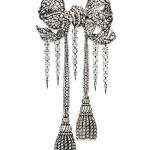 Broche Empress Eugenie - Um exemplar antigo de diamantes, que foi feito pelo artista François Kramer em 1855 para a mulher de Napoleão 3º, a imperatriz Eugenie, foi comprado pelo Museu do Louvre por R$ 18,4 milhões (US$ 10,5 milhões) em abril de 2008 em Nova York. (Foto: divulgação)