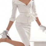 Os tailleurs podem ser conjuntos de saia e blusa ou calça e blusa, que garantem sofisticação e elegância para a mulher. Ótima aposta para o casamento civil. (Foto: divulgação)