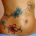 As tatuagens de flores são as mais procuradas pelas mulheres. (Foto: divulgação)