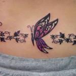 As tatuagens na barriga Podem ser só flores  ou vir acompanhadas de borboletas e desenhos tribais. (Foto: divulgação)