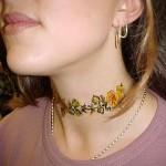 A tatuagem no pescoço pode ser frontal como um colar. (Foto: divulgação)