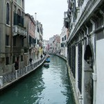 """Veneza vê o seu canal a transbordar de lanchas de madeira, """"vaporettos"""", gôndolas e """"motoscafos"""".  (Foto: divulgação)"""