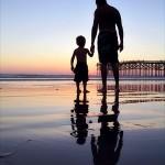 Pais que dedicam um tempo para os filhos são mais felizes e carregam consigo a certeza de serem amados (Foto: divulgação)