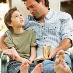 Os pais que contam histórias para seus filhos jamais serão esquecidos, assim como tudo que ouviram (Foto: divulgação)