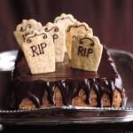 Bolo de chocolate decorado - Uma ótima opção para festa surpresa (Foto: divulgaação)