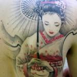 Tatuagem de gueixa com traços perfeitos e delicados (Foto: divulgação)