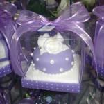 Mini bolo lilás decorado (Foto: divulgação)