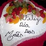 Bolo personalizado decorado com frutas (Foto: divulgação)