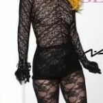 Rendas e transparências compõem o figurino de Lady Gaga (Foto: divulgação)